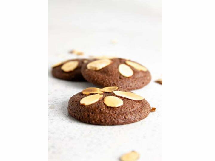 almond slices cookies