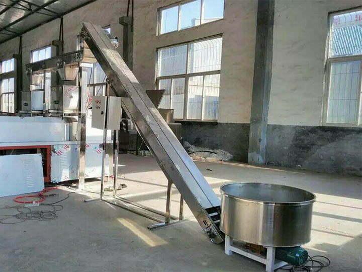 automatic lifting and feeding machine
