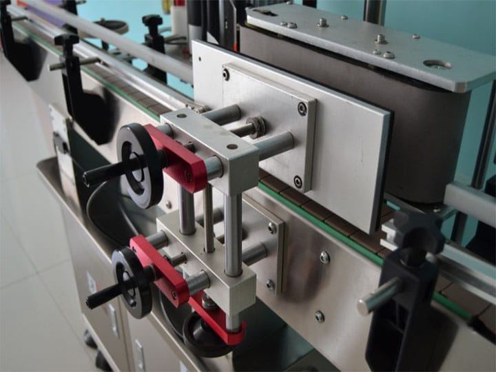 labeling machine detail