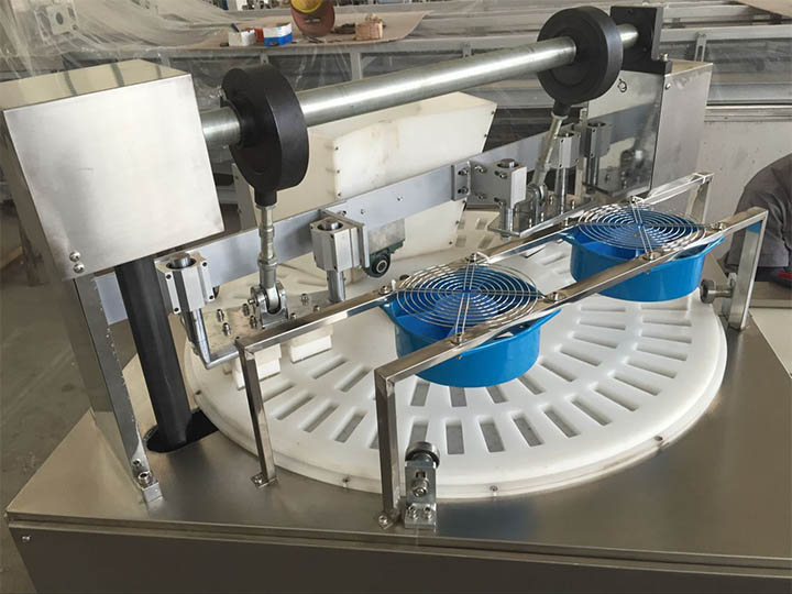 rotary table forming machine