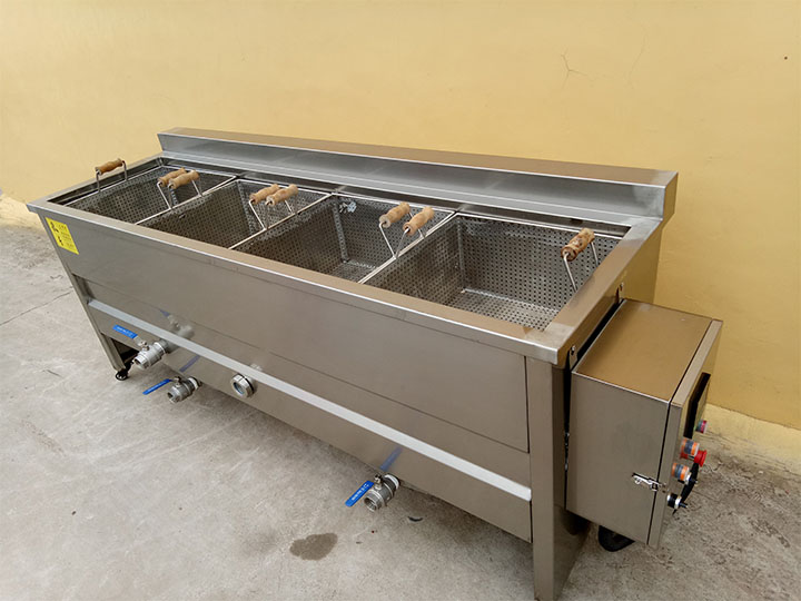 4-basket deep fryer machine (electric type)